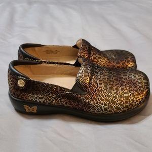Alegria Gold Keli Fancy Giraffe Clogs Shoes 36